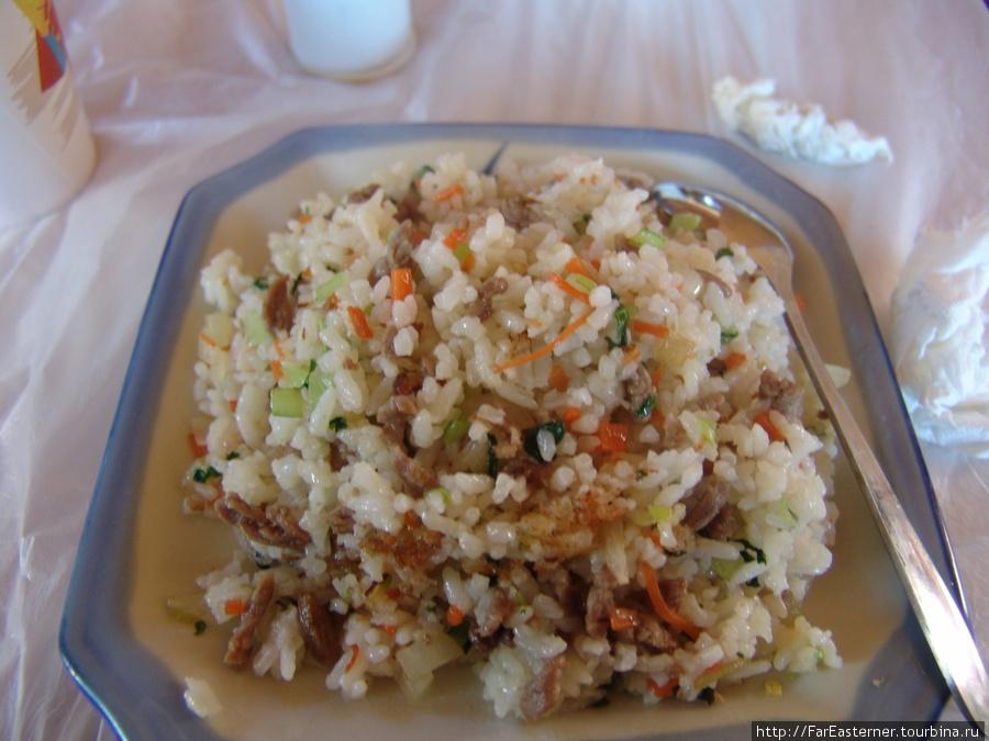 А это жареный рис с мясом