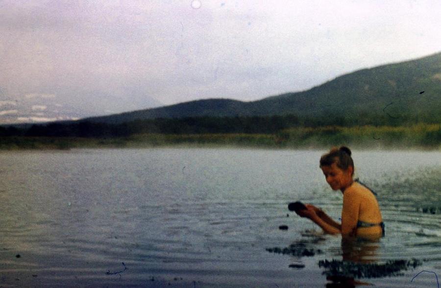 В горячем озере