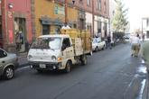 Общего газопровода нету, продают балоны с машины, зазывая через мегагромкий громкоговоритель