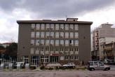 Здание на площади перед Муниципалитетом