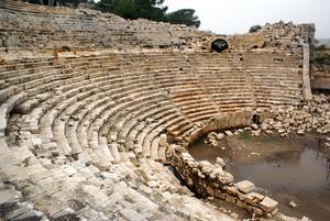 Руины амфитеатра в Патаре