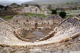 Вид с верхнего ряда амфитеатра в Патаре