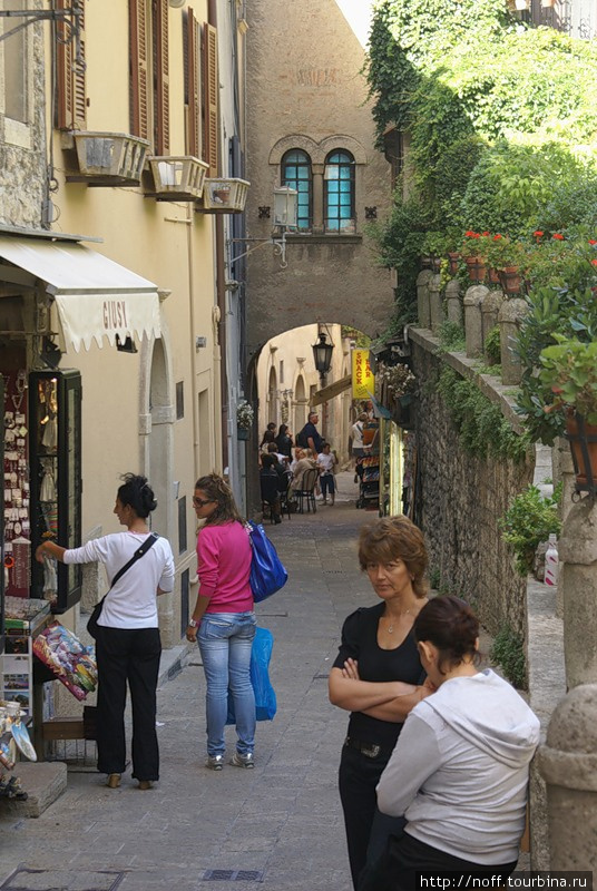 От Римини Сан-Марино находится весьма близко.