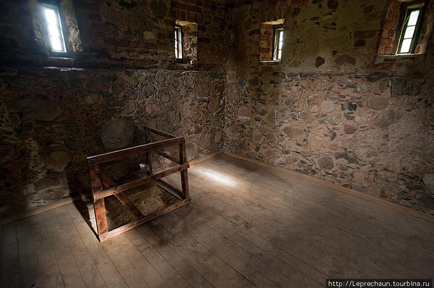 Внутри колокольни Стельмуже, Литва