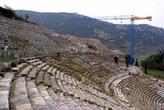 Амфитеатр и подъемный кран в Эфесе