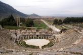 Вид с верхнего яруса амфитеатра в Эфесе