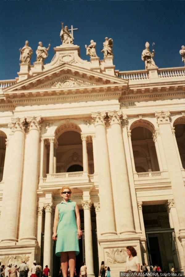 Центральный фасад  собора называют самым красивым в Риме.