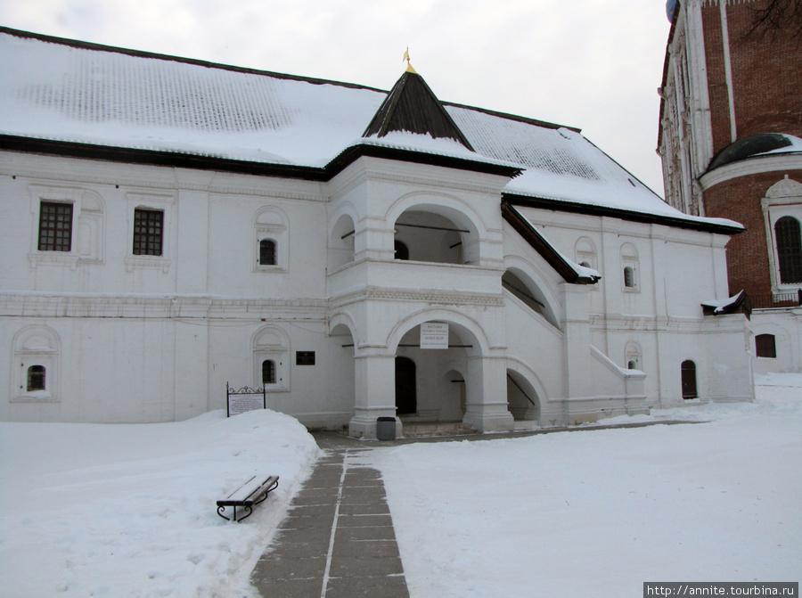 Консиерейский (Консисторский) корпус (XVII в.). Сейчас здесь находятся экспозиции музея.