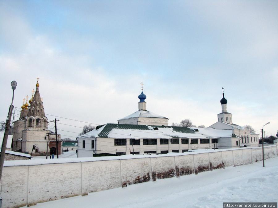 Ансамбль Спасского монастыря с Кремлёвского Вала.