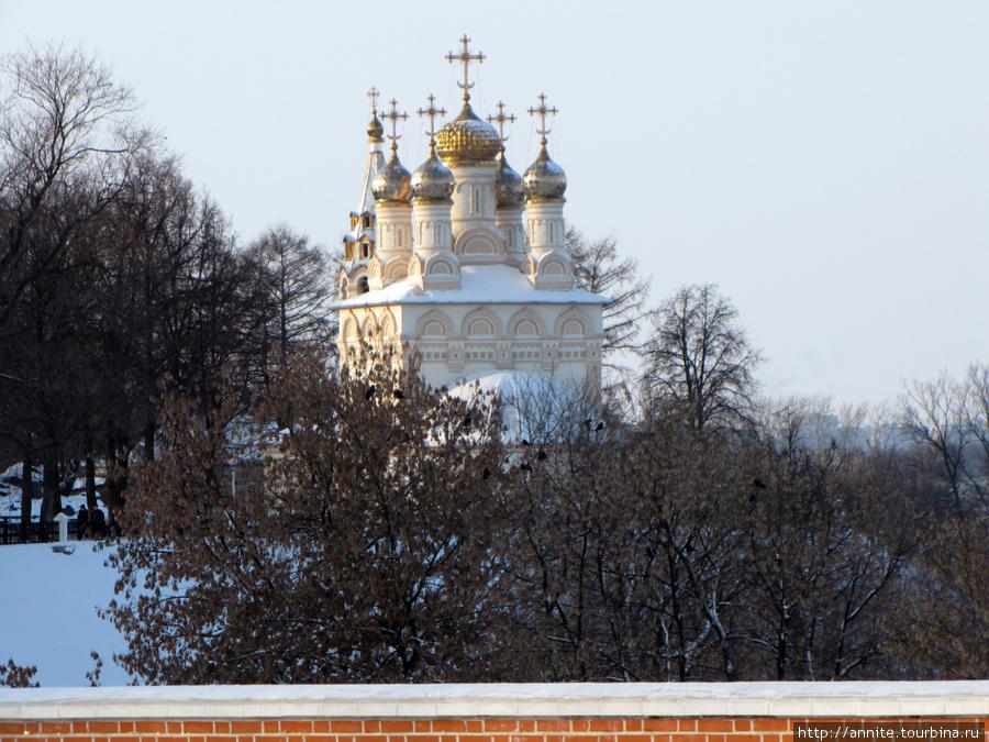 Церковь Спаса на Яру с Глебовского моста.