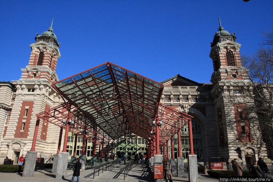 перевалочный пункт иммигрантов на Ellis Island