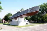 Торпедный катер на площади Балтийской славы