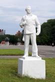 Памятник матросу на площади Балтийской славы