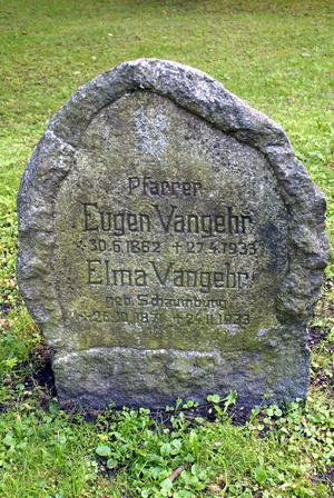 Памятник на немецком кладбище в Добровольске