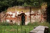 На руинах кирхи у замка Бальга