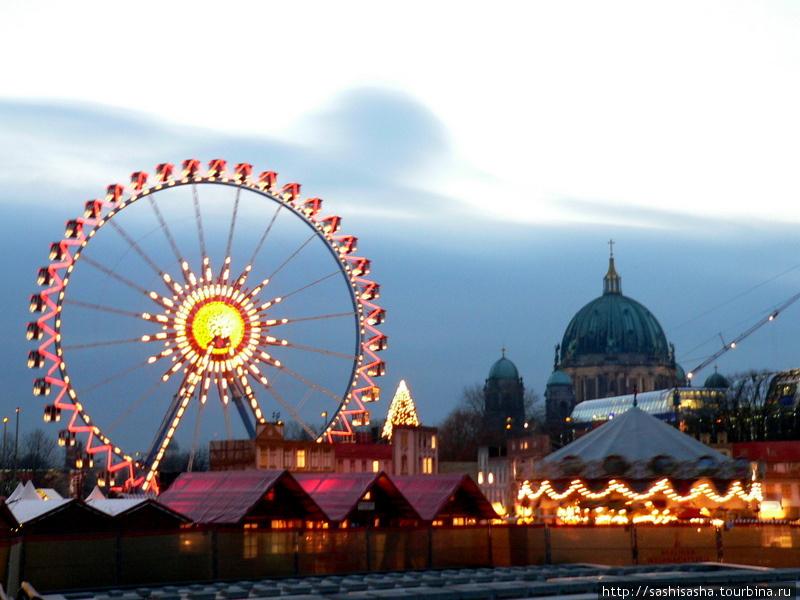 Главный Рождественский рынок на Александерплац.