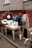 Молоко и молочные продукты на уличном рынке