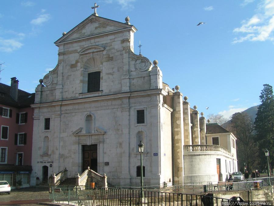 Церковь по-итальянски